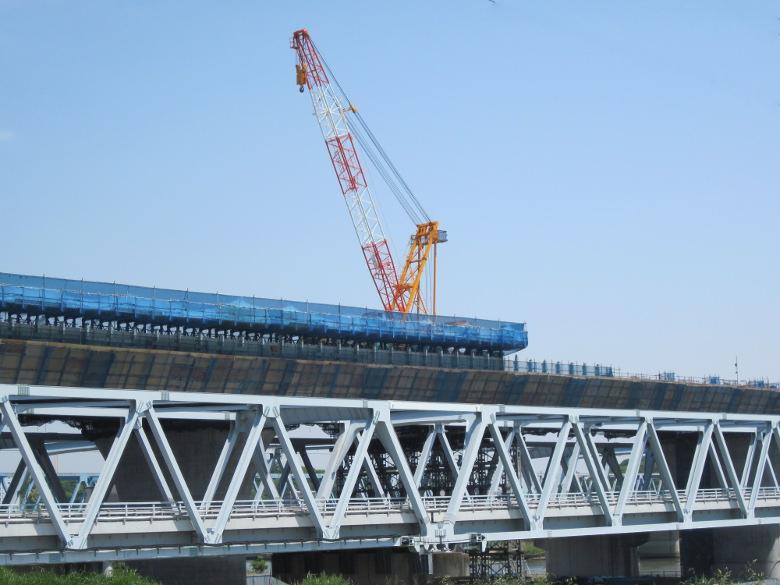 外環道葛飾大橋の高速道路部の建設現場