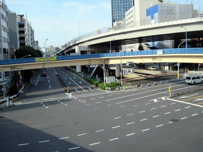 飯田橋駅前の複雑な交差点