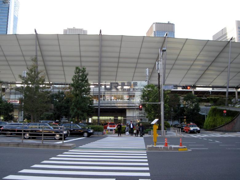 東京駅八重洲口の外観