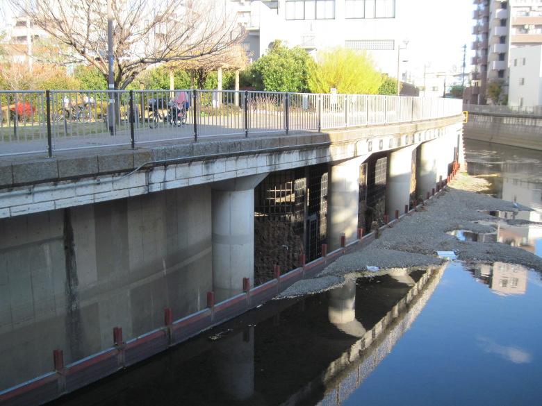 神田川取水施設の導水路