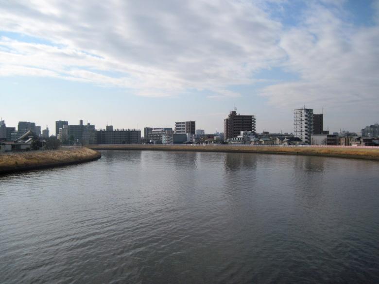 中川橋から下流方向の眺め