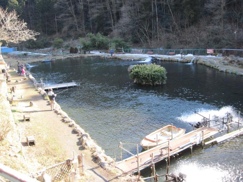 浅川国際マス釣場