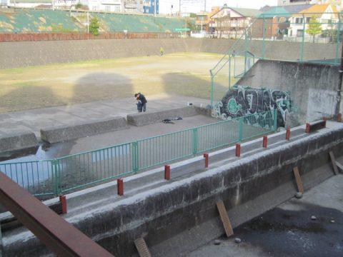 柳沢児童広場への取水口