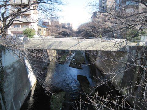 神田川にかかる環状四号線の橋
