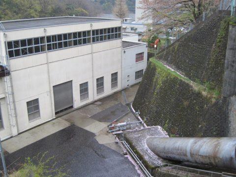 発電所に向かう水圧管