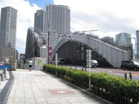 メンテナンス中の勝鬨橋