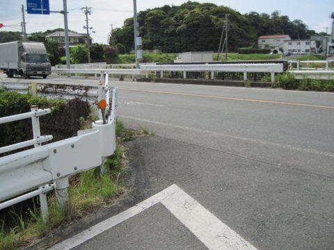 県境の境川(愛知側から撮影)