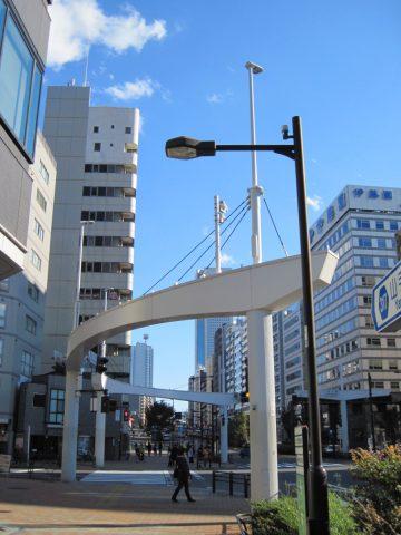 清水橋交差点のモニュメント