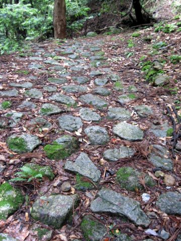 鈴鹿峠の石畳