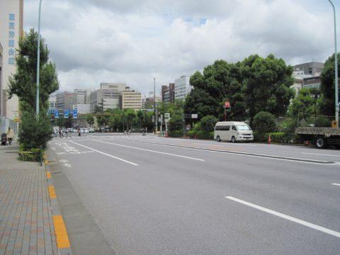 市谷見附の交差点付近