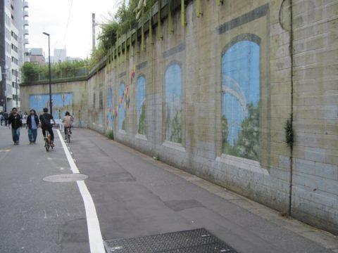 両国駅の壁画