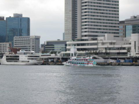 大島行のジェット船